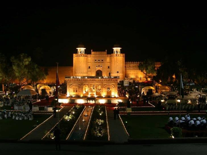 Lahore fort in night